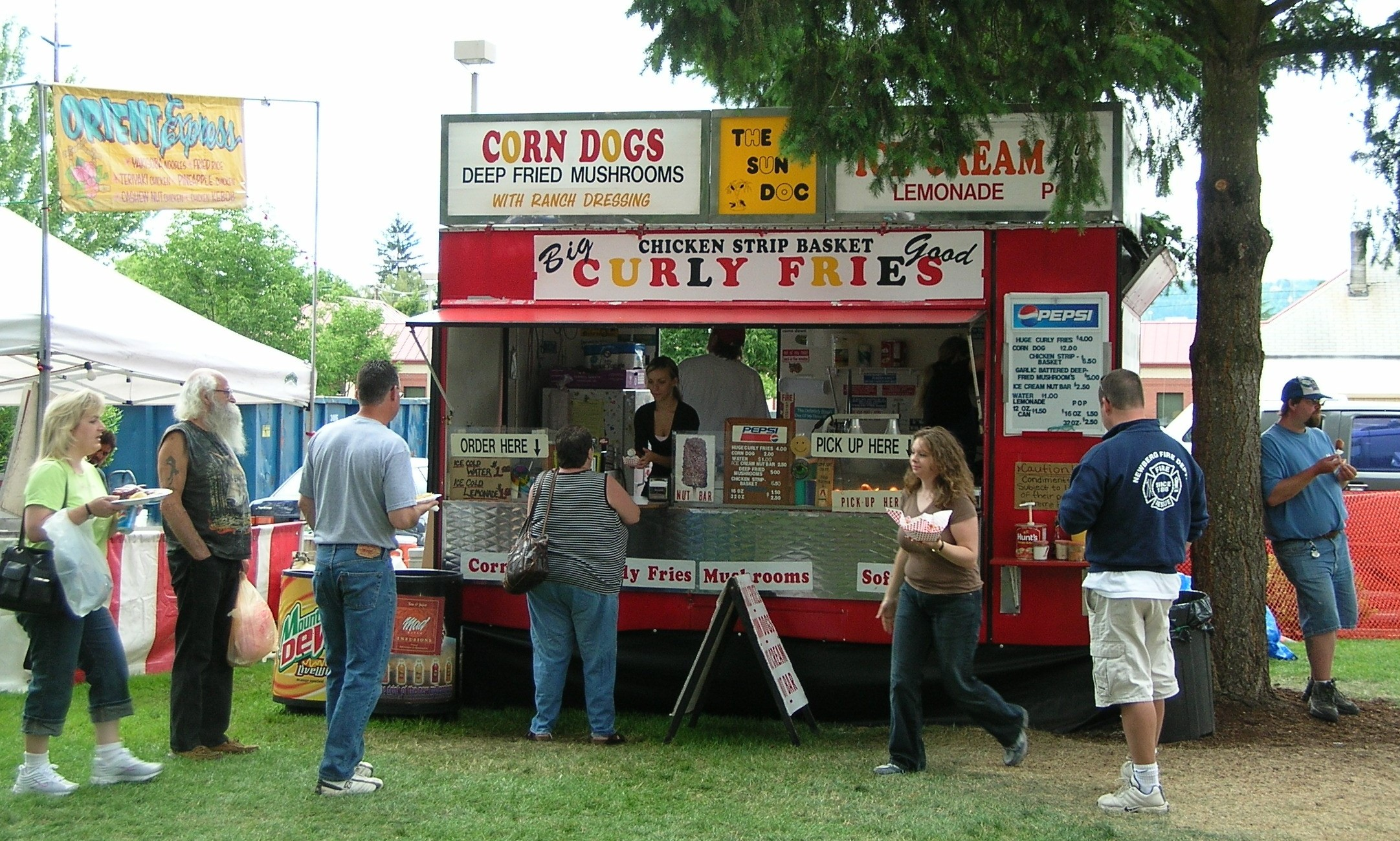 Food Booths Food Trailers Ohio Wizard Of Oz Festival - Car show vendor ideas